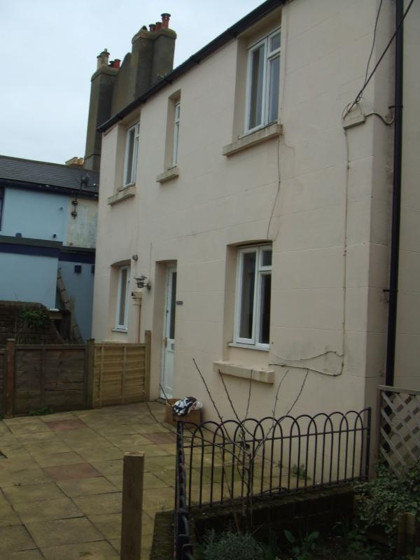 2 bedroom detached house to rent in cornfield terrace st for Terrace parent lounge