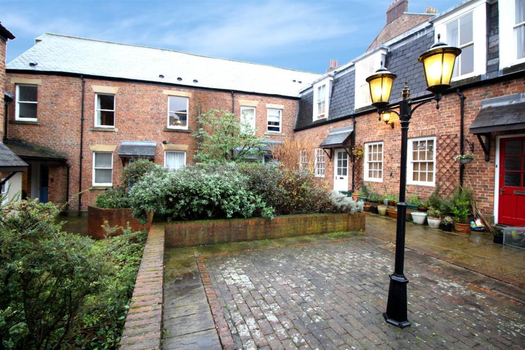 4 bedroom maisonette to rent in tanners court city centre 4 bedroom maisonette