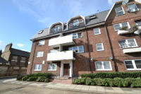 Apartment in Queens Park Court Ilbert...