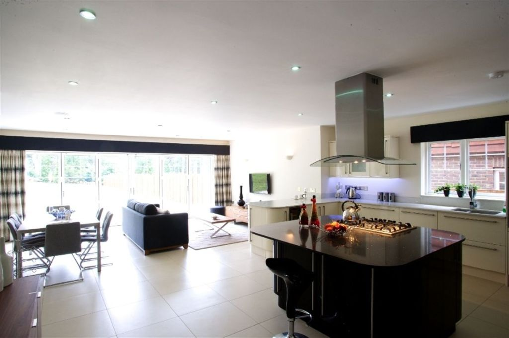 5 Bedroom House For Sale In South Park Avenue Chorleywood Hertfordshire Wd3