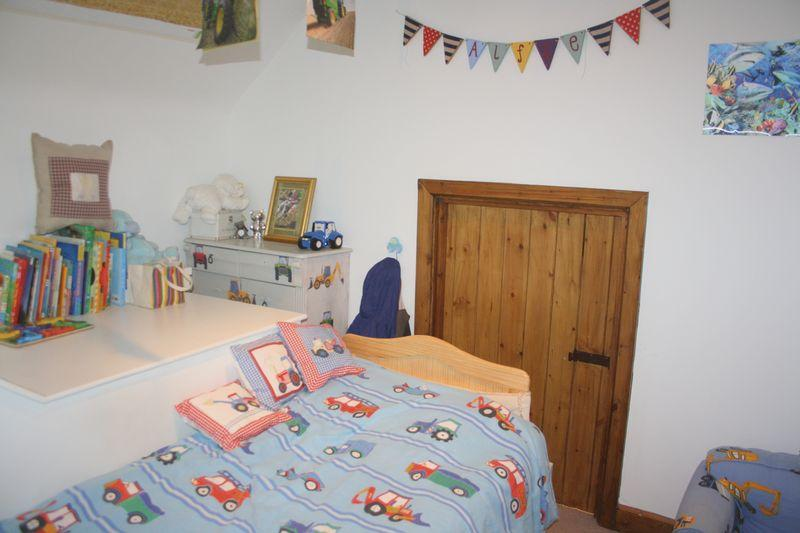 Cottage Bedroo...