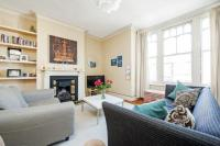2 bedroom Flat for sale in Lavenham Road, SW18