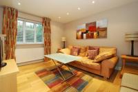 2 bedroom Flat to rent in Wimbledon Park Court...