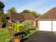 4 bedroom Detached Bungalow in Mountfield, Hythe, SO45