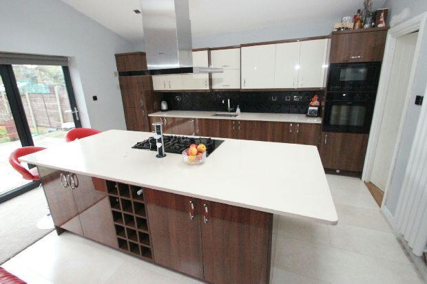Open Plan Kitchen 5