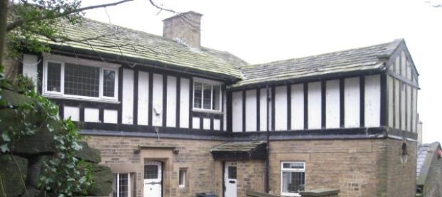 4 Bedroom Detached House For Sale In Trimmingham Road Halifax West Yorkshire Hx2 Hx2