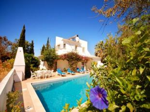 4 bed Villa for sale in Albufeira, Algarve
