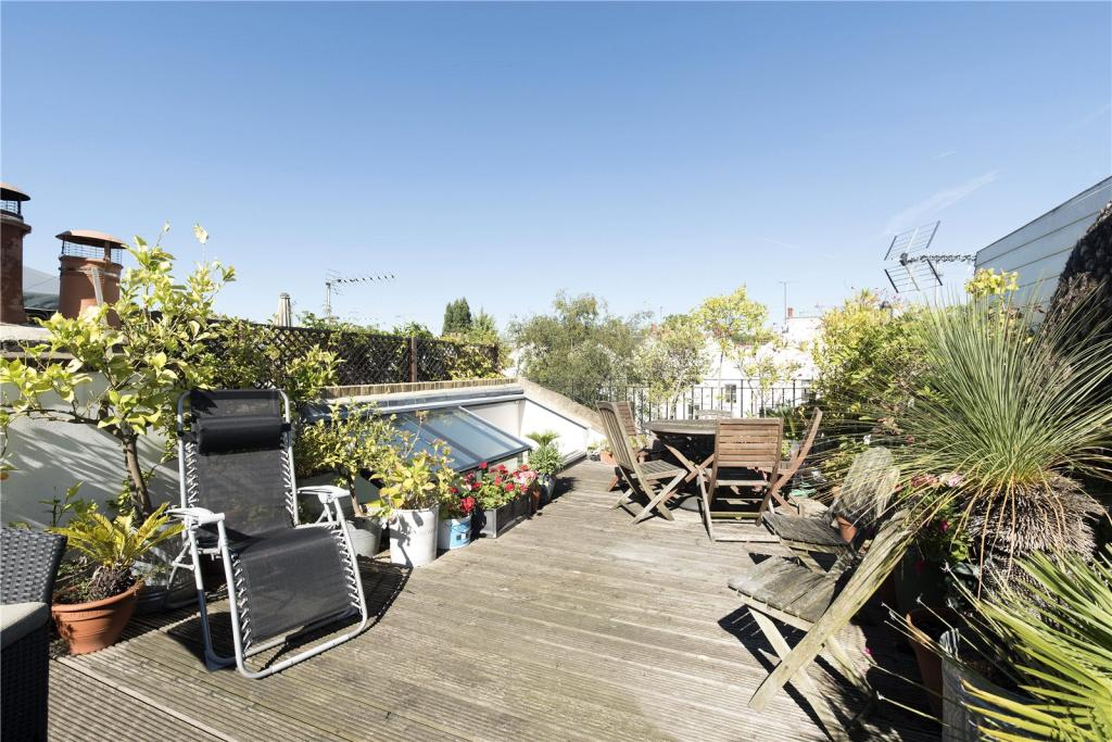 Sunny Roof Terrace