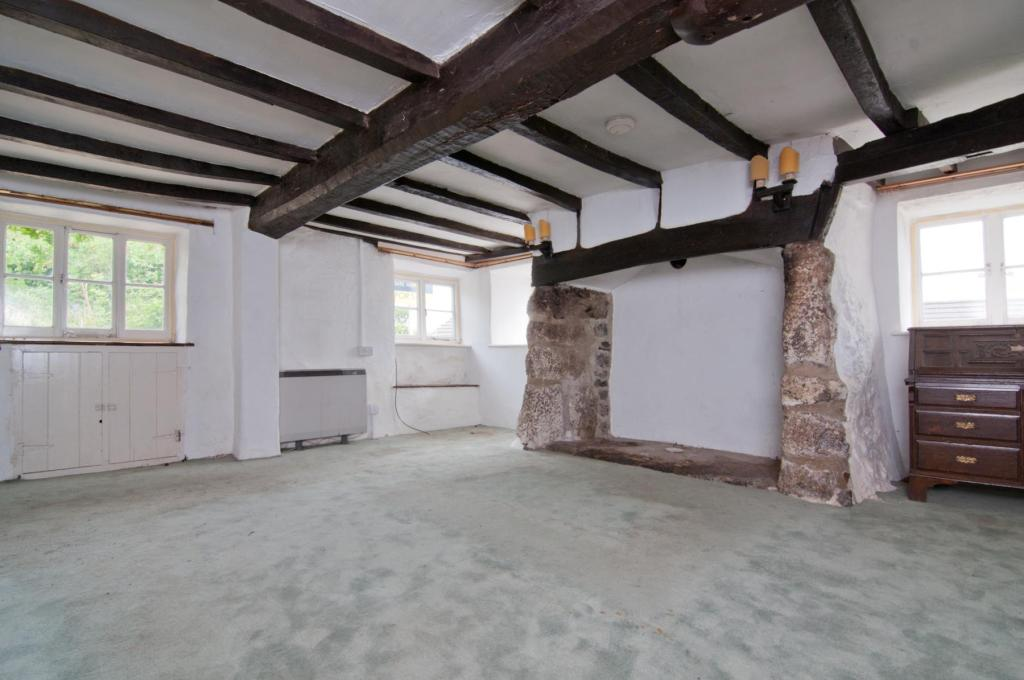 3 Bedroom End Of Terrace House For Sale In Atway Cottages