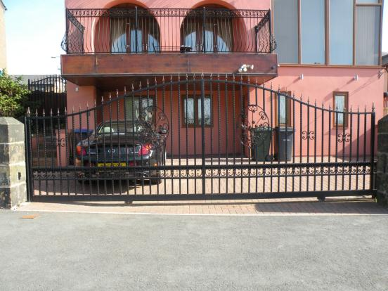 externally Gated Ent