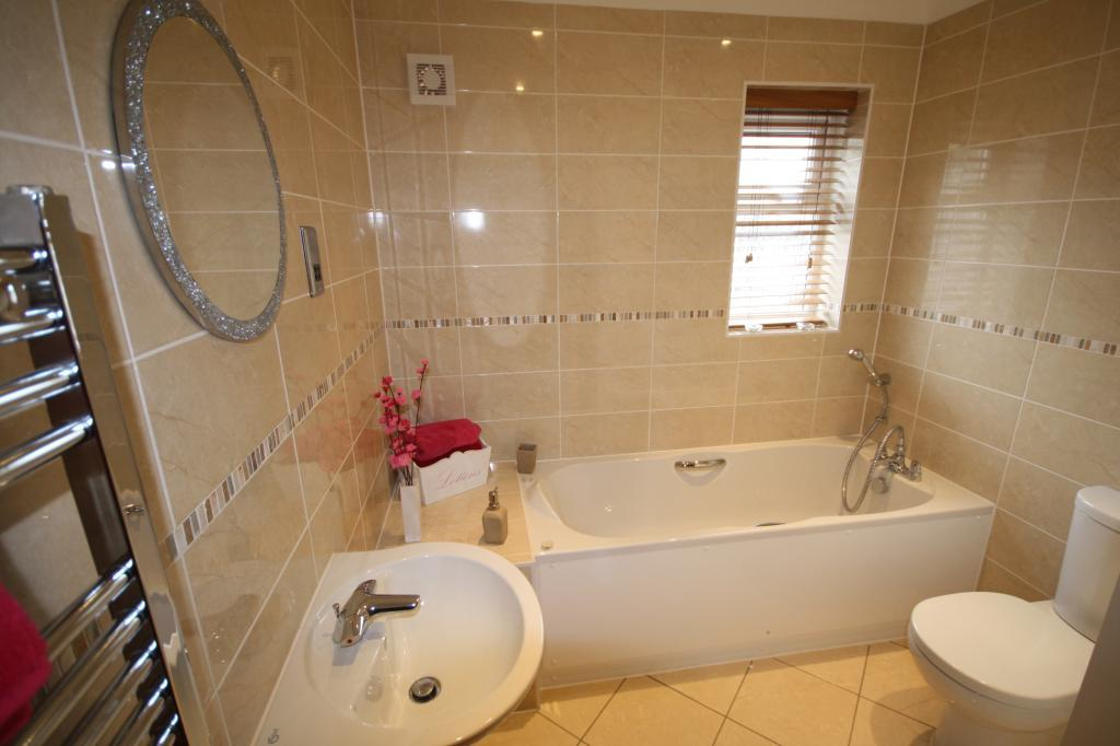 4 bedroom semi detached house for sale in plot 2 cedar for Show home bathrooms