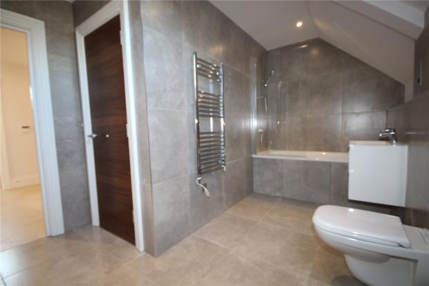 Plot A8 Bathroom