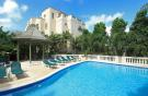 3 bed Apartment in St James, Paynes Bay
