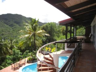 5 bedroom Villa in Marigot Bay