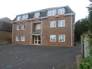 Flat to rent in Ashdown Court, Epsom