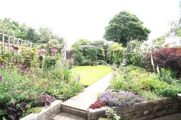 Garden Left Aspect
