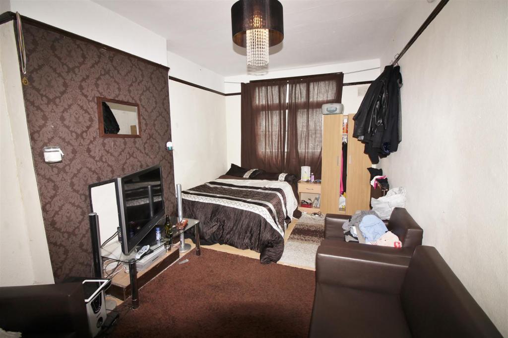 Reception 2/ Bedroom