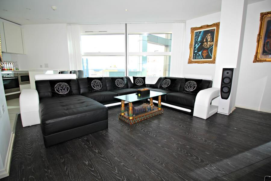 2 bedroom apartment for sale in 39the cube39 wharfside for Bedroom apartments birmingham