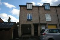 Town House to rent in Fairfield Hill...