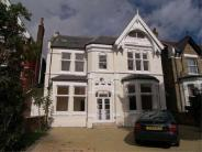 Flat to rent in Gordon Road, Ealing...