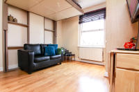 1 bed Studio flat in Clanricarde Gardens...