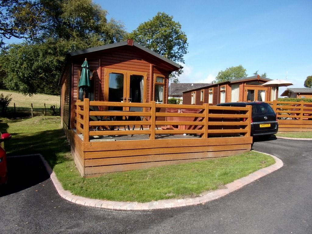 2 bedroom log cabin for sale in cabin 5 pen y garth for Two room log cabin