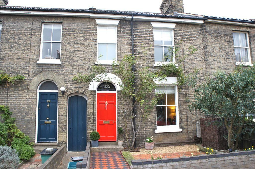3 bedroom terraced house for sale in trinity street for Whats a terraced house