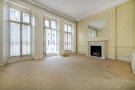 Flat for sale in Onslow Gardens...
