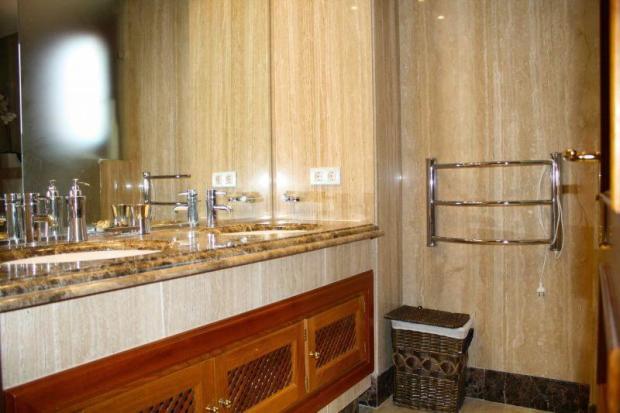 2 MARBLE BATHROOMS
