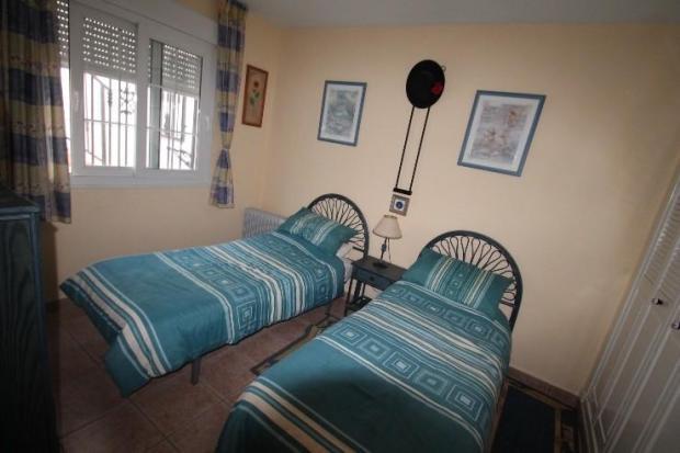 DOUBLE GUEST BEDROOM