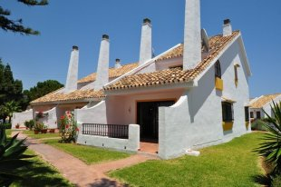 3 bedroom Semi-Detached Bungalow for sale in Andalusia, M�laga...