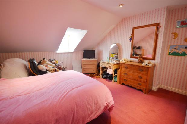 NEW Bed 2.JPG