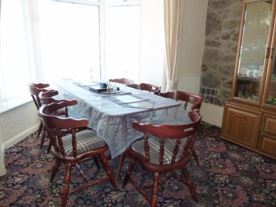 Dining/Bedroom 1
