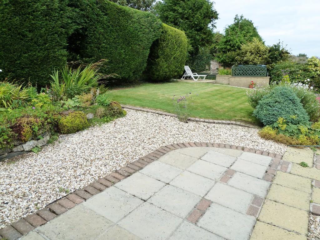 Encl. rear garden