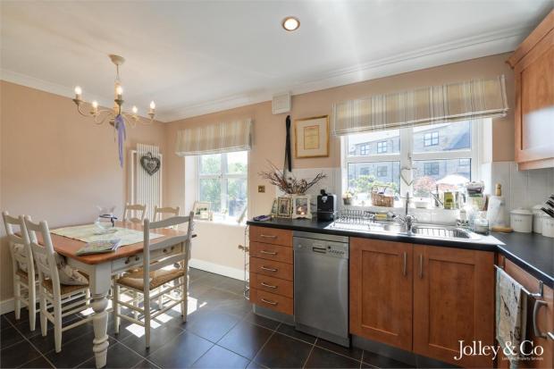 Kitchen / Dining Ar