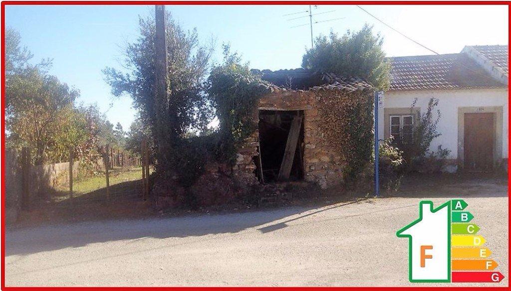 2 bedroom property in Ferreira do Zezere...
