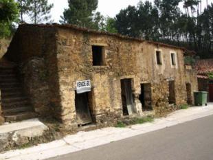 property in Figueiro Dos Vinhos...