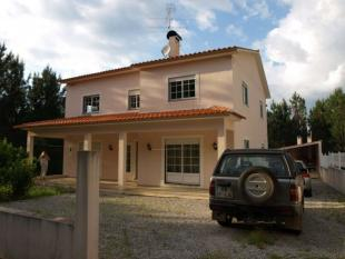 4 bed property in Abrantes...