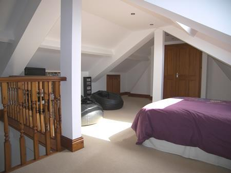 LARGE ATTIC ROOM