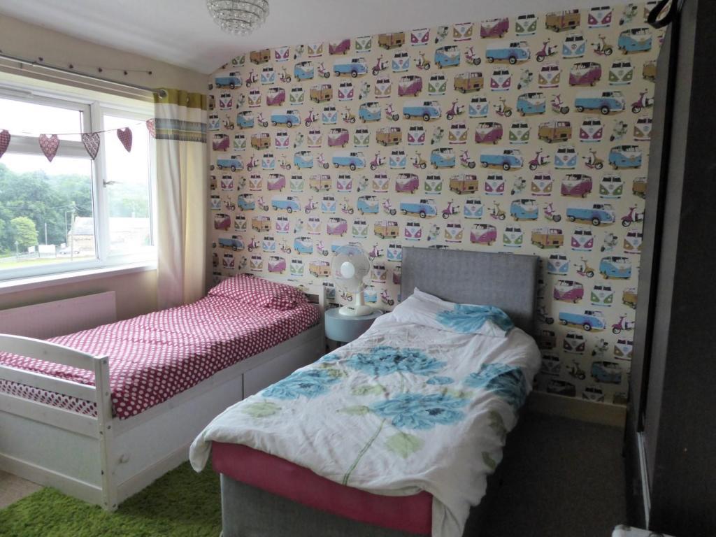 FRONT MAIN BEDROOM