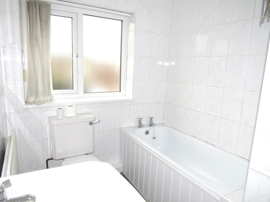 COMBINED BATHROOM