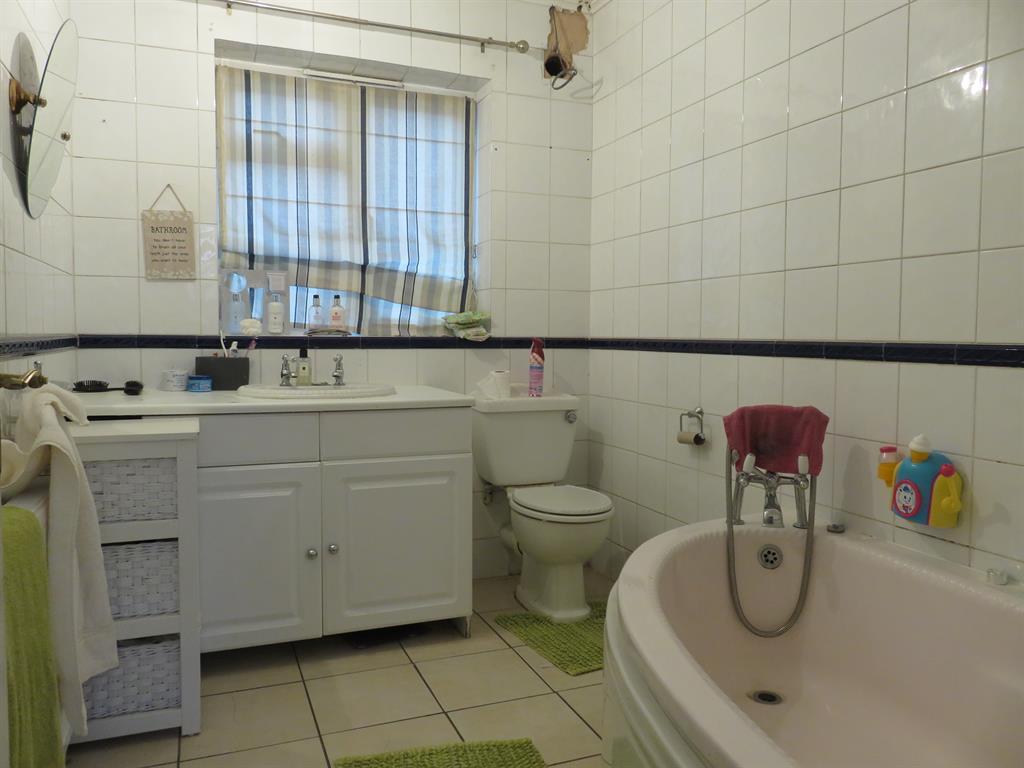 Ground Floor Bathroom / WC