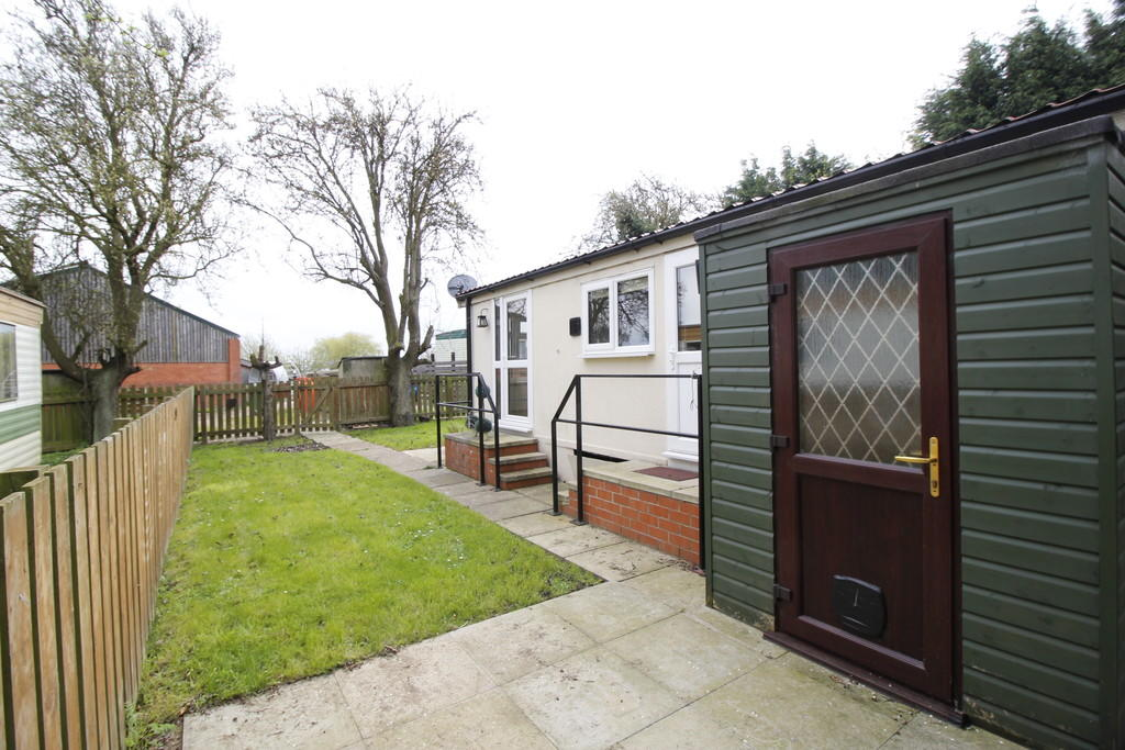 2 Bedroom Mobile Home To Rent In Grove Hall Park Homes