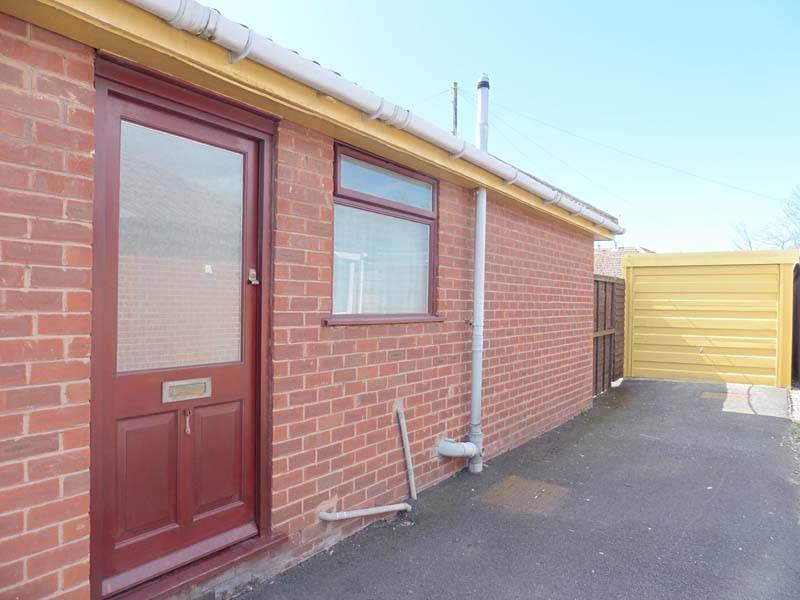Garage & Entrance