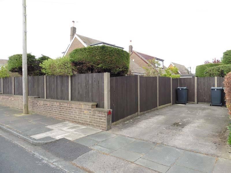 Side Aspect & 2nd Driveway