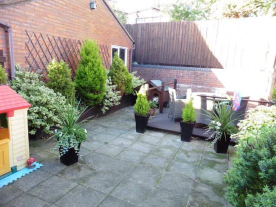 25' Private Rear Garden