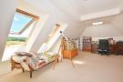 Bed 5/studio