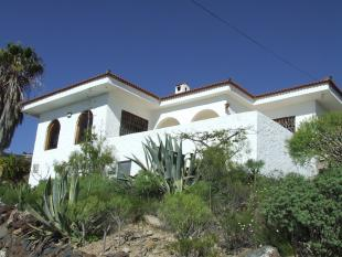 Villa for sale in Los Menores, Tenerife...