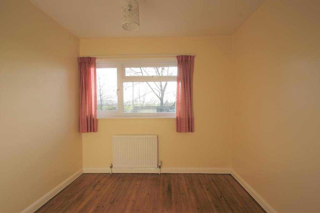 Rear single bedroom