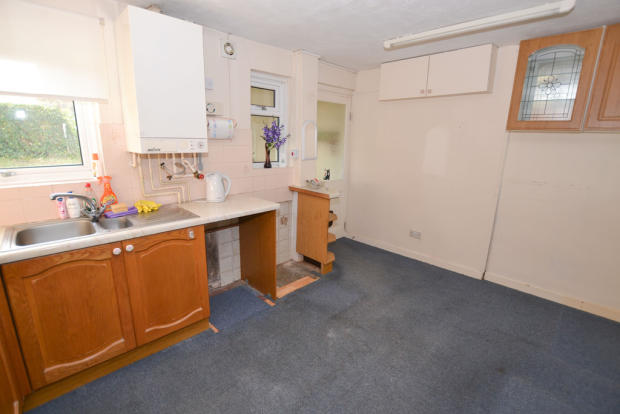 3 Bedroom Terraced House For Sale In Balmoral Close Newton Abbot TQ12